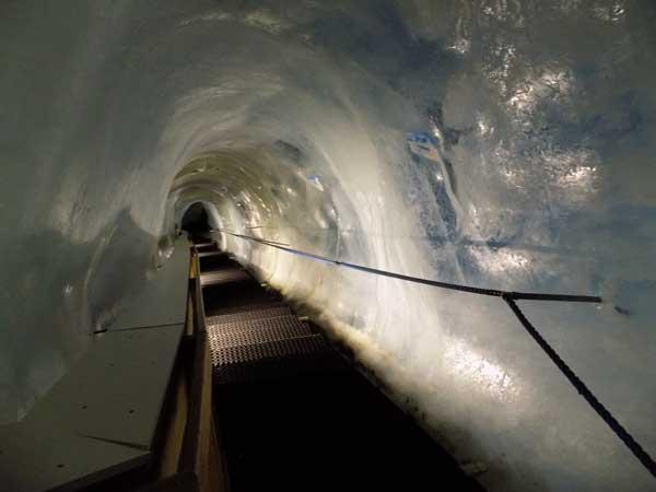 Eispavillon – 3600 m-en nehézkes a lépcsőzés